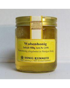 Wabe in Honig